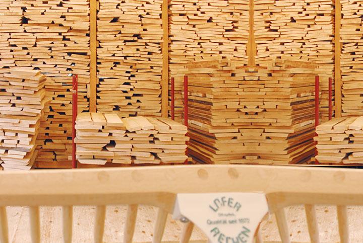 sensenstiele und rechenjoch von lofer rechen werden aus buchenholz gefertigt. Black Bedroom Furniture Sets. Home Design Ideas